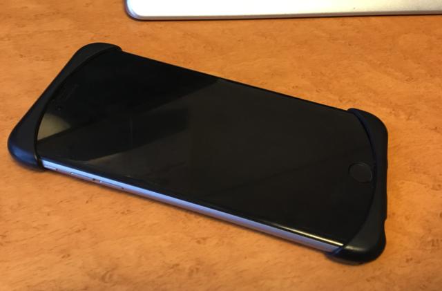 Palmo(パルモ)を装着したiPhoneのフロント部分